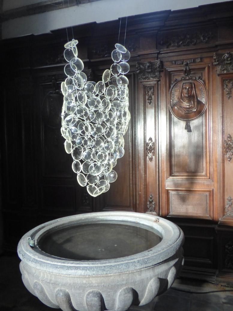 Maillot de bain, installation, loupes en résine